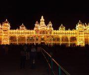 Het verlichte Mysore Palace