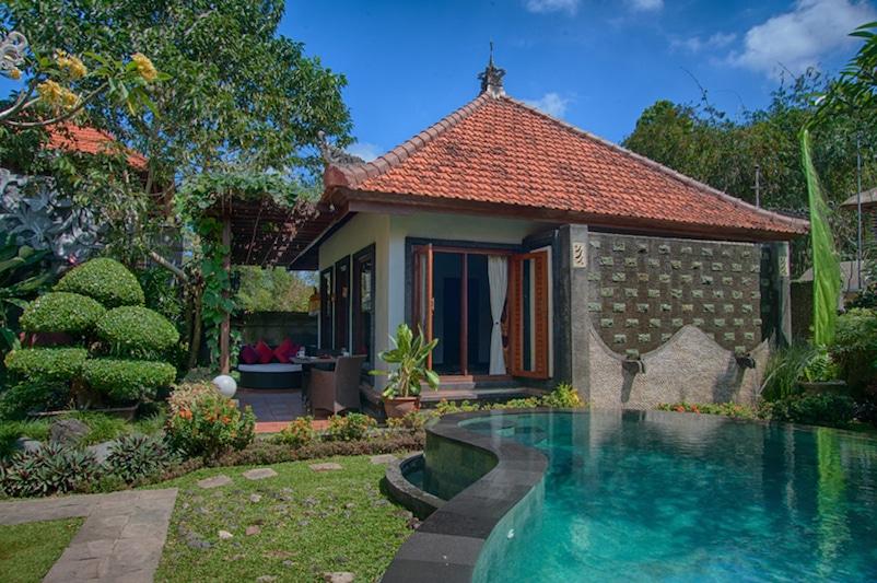 baruna sari villa met eigen zwembad