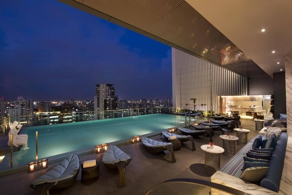Hilton Bangkok infinity pool