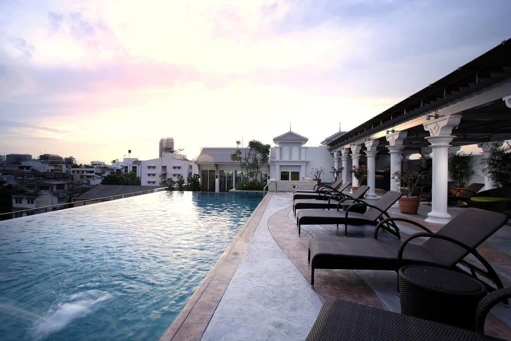 nfinity zwembad resort Bangkok