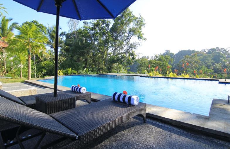 Infinity pool villa ubud