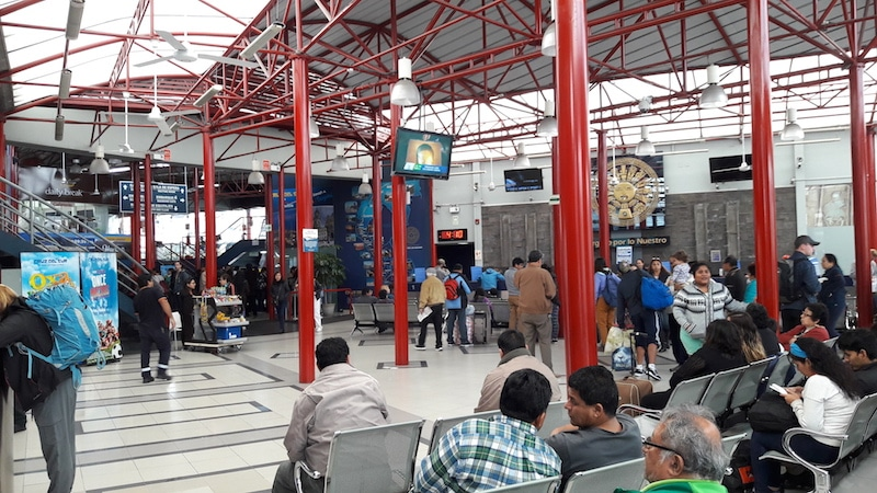 Javier Prado busstation Cruz Del Sur