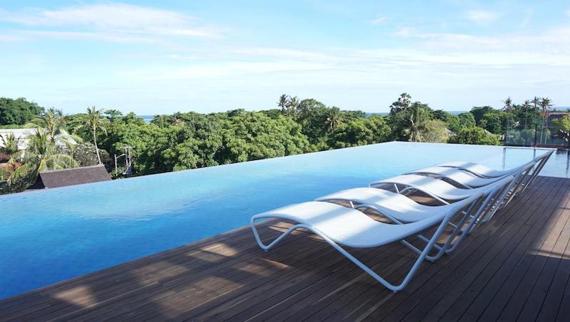 Hotel infinity pool Sanur Bali