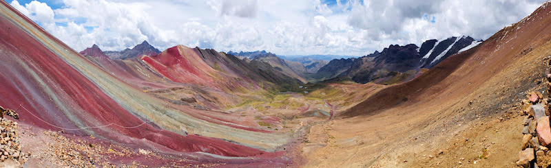 uitzicht rainbow mountains