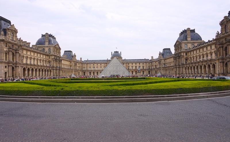 Louvre highlight van Parijs