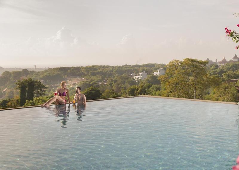 Nusa Dua infinity pool
