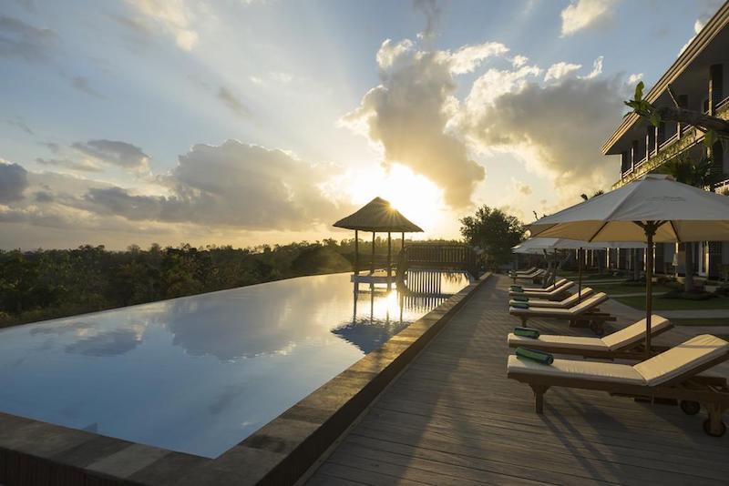 Nusa Penida infinity pool hotel