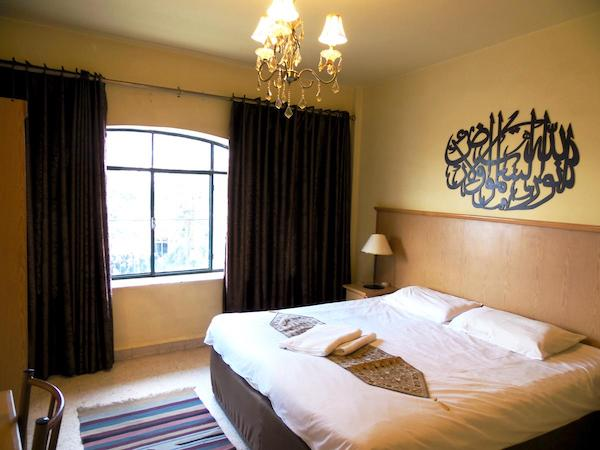 Madaba hotel tip