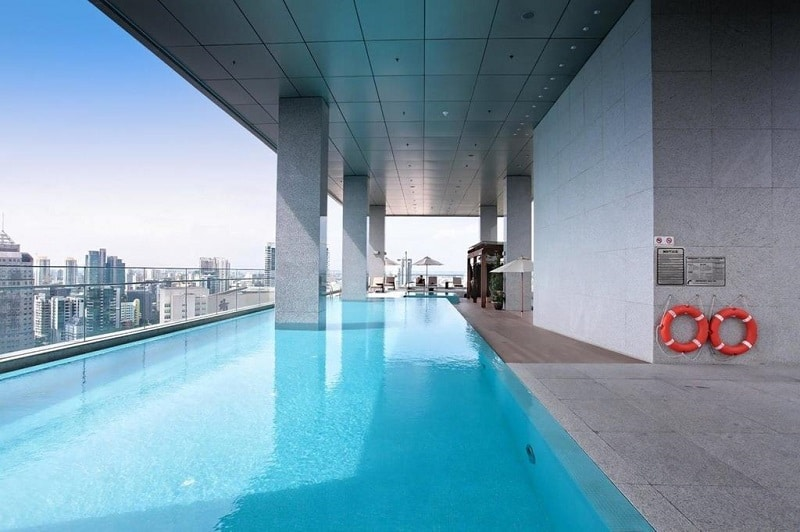 Singapore rooftop pool