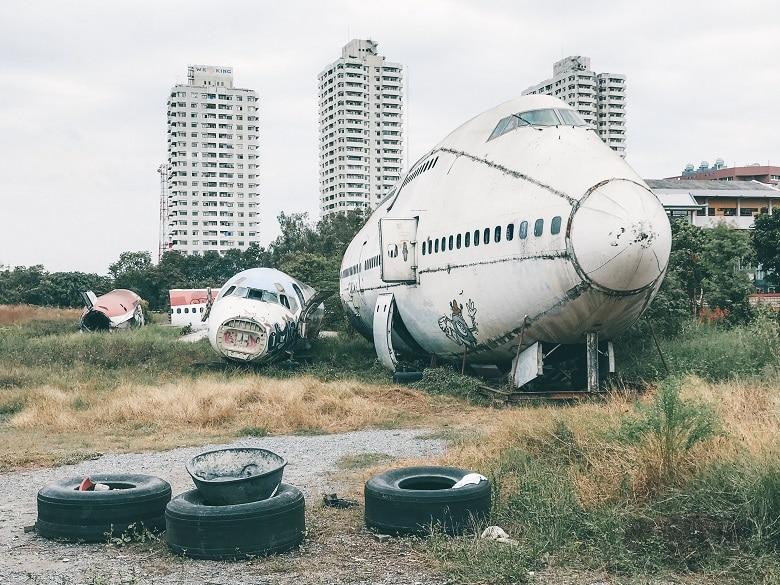bangkok airplane graveyard kerkhof vliegtuigen