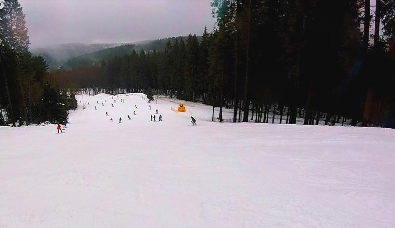 op wintersport in Winterberg piste
