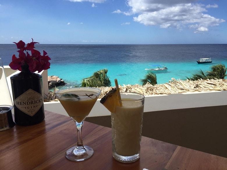 Hotspot Curacao beachclub lounge