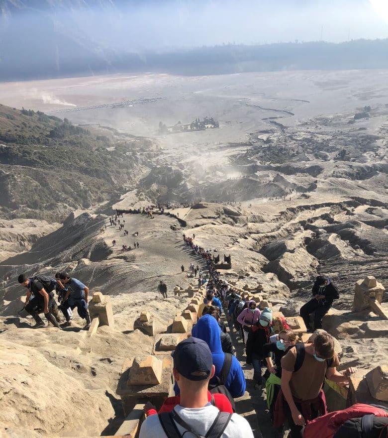 Trappen bij Bromo vulkaan