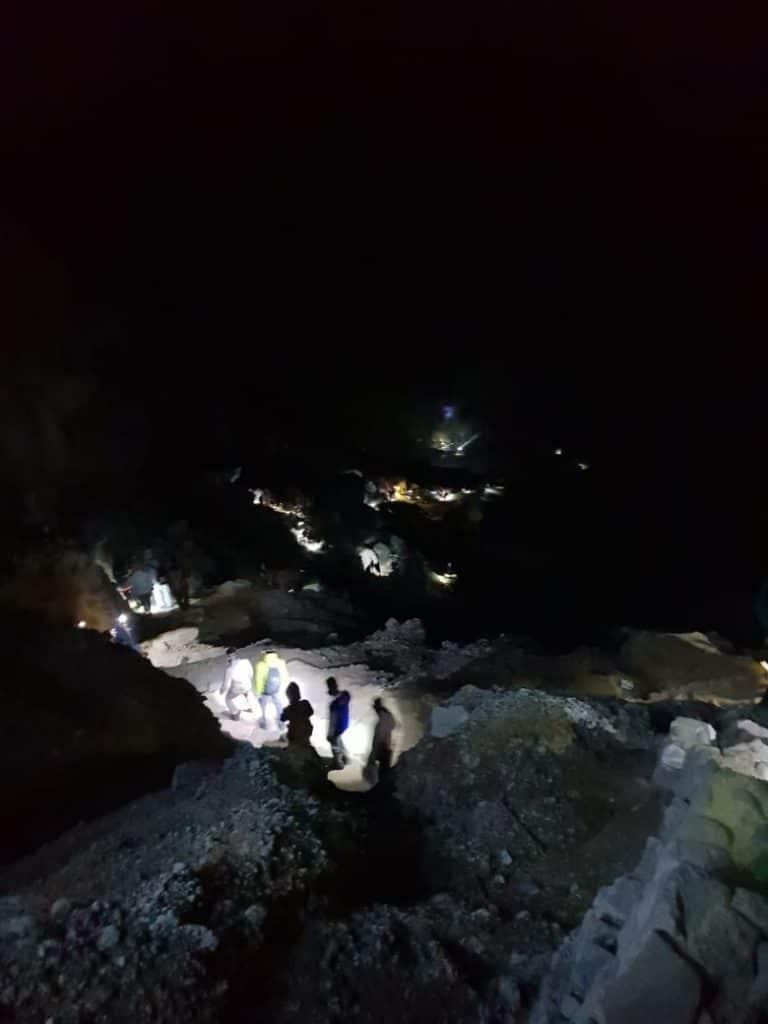 ijen krater hike tips
