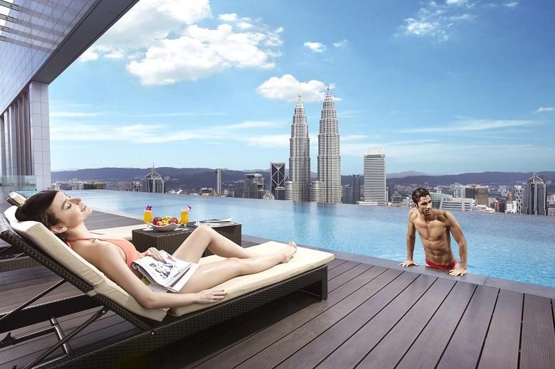 Hotel infinity pool Kuala Lumpur
