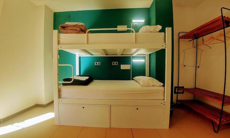 hostel malaga
