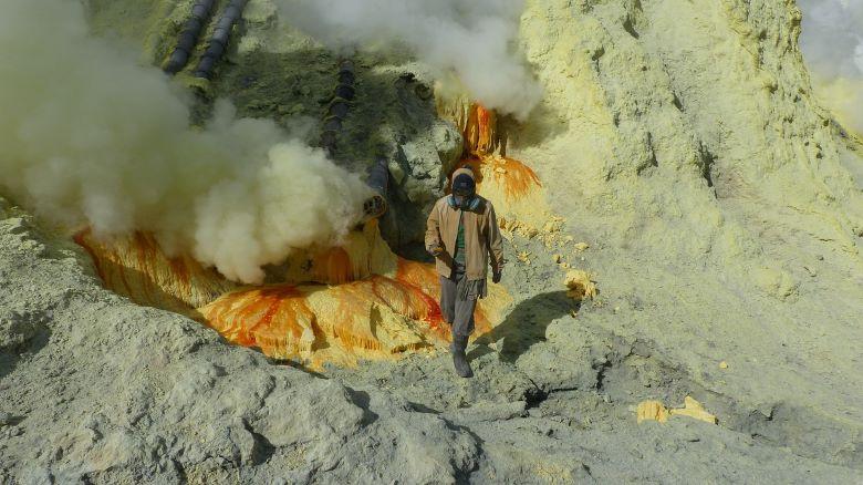 ijen mijnwerkers sulfiet zwavel