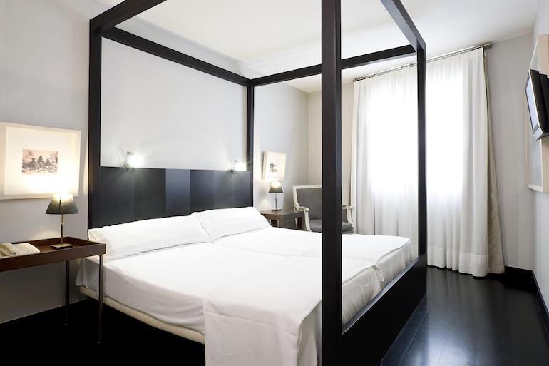 barcelona hotel tips