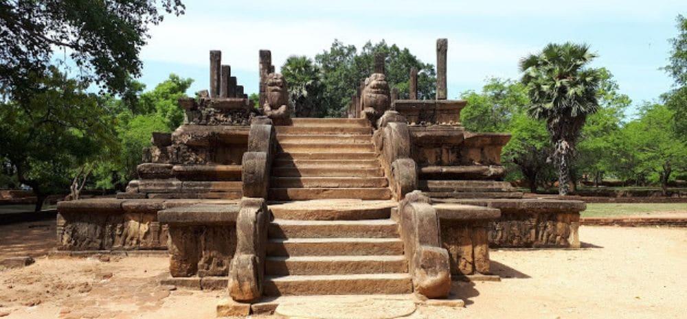 Polonnaruwa ruines tips