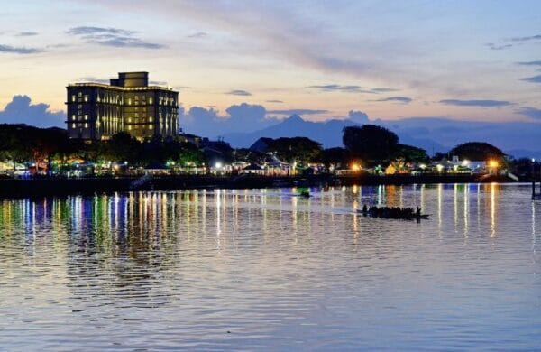bezienswaardigheden tips kuching