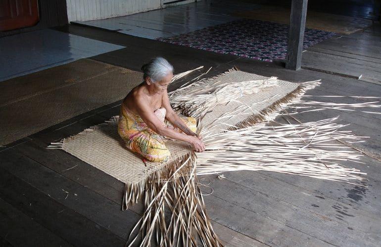 longhouses kuching borneo