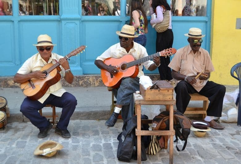 locals in cuba engels