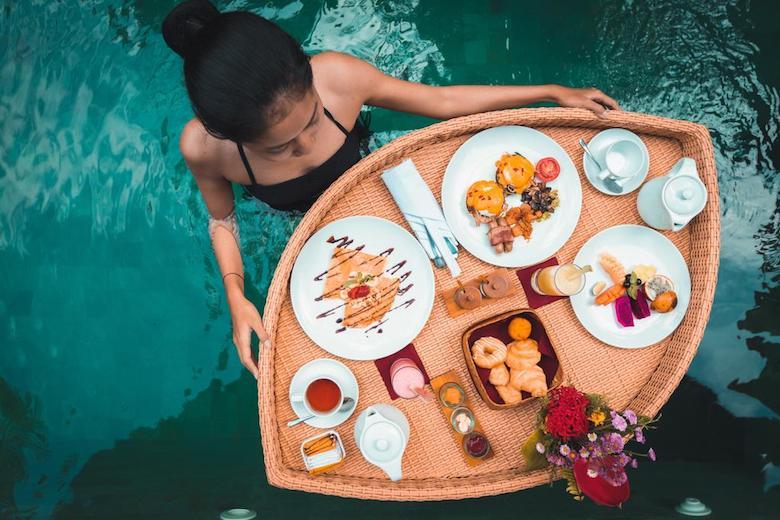 Bali floating breakfast pool