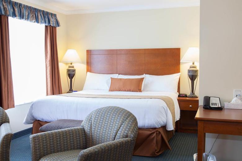 Hinton hotel tips