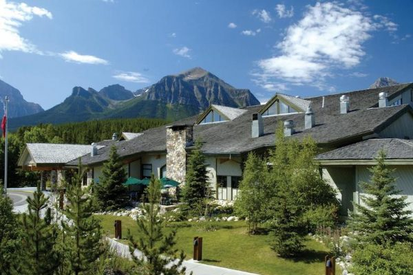 Hotel lake louise tips