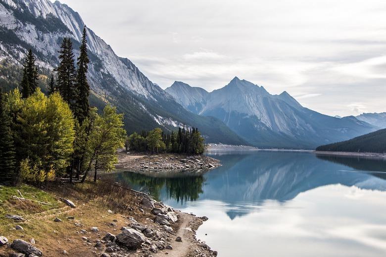 Medicine lake Jasper np