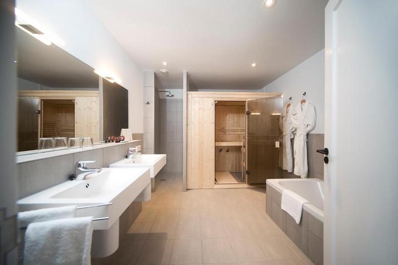 Hotel met sauna en bad
