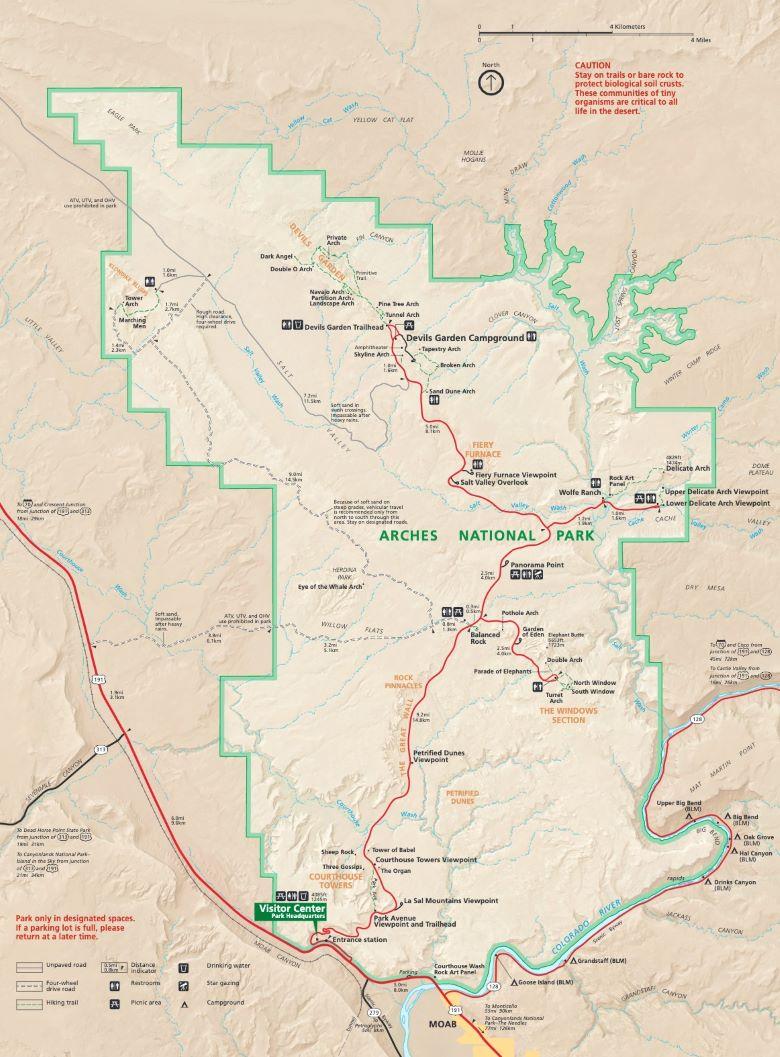Kaart met bezienswaardigheden Arches national park