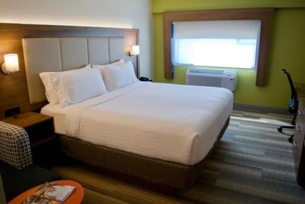 hotel tips Vancouver Airport