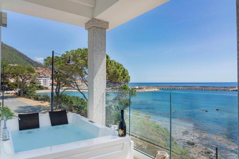 Hotel aan zee Cala Gonone