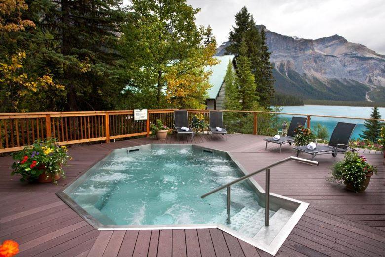Emerald Lake Lodge Yoho